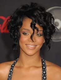 Rihanna Cabelo Curto 02