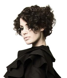 cabelos curtos cacheados 10