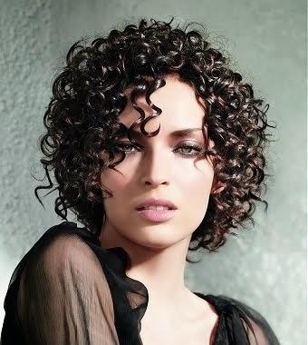cortes-de-cabelo-curto-escuro-6